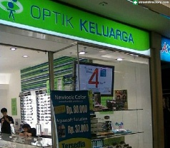 Optik Keluarga Photos