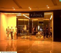 Raoul Women Photos