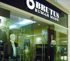 Brutus Rumah Mode Photos