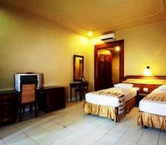 Champlung Mas Hotel Kuta Photos