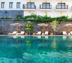 Padma Hotel Bandung Photos