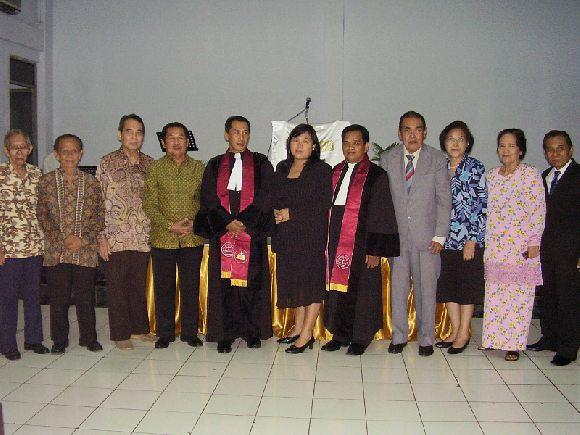 PARA SENIOR ORANG MINANGKRISTEN DALAM ACARA PENTAHBISAN PENDETA.2006