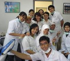 Klinik Yadika Petukangan Photos
