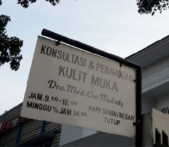 Klinik Eva Mulia Photos