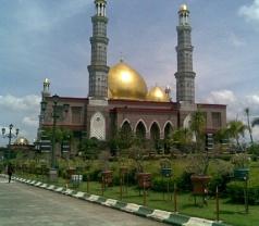 Masjid Kubah Emas (Masjid Dian Al-Mahri) Photos